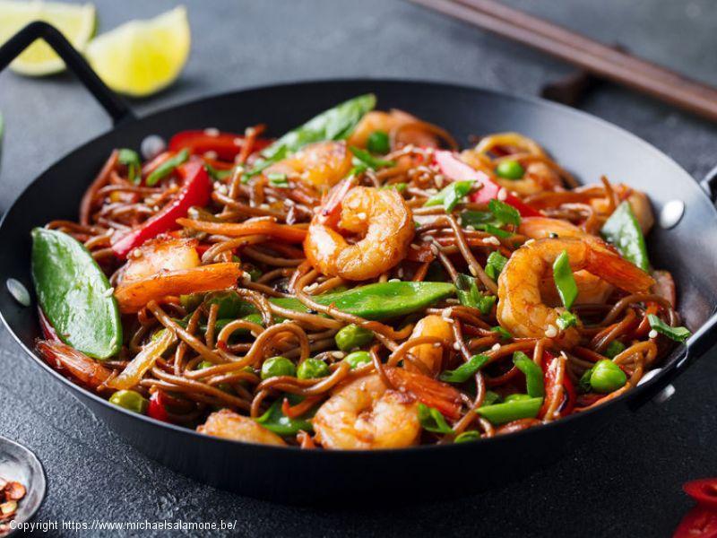 Nouilles soba (au sarrasin) et crevettes