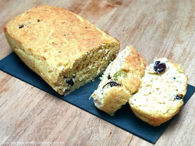03. Cake salé aux olives et thon (1)