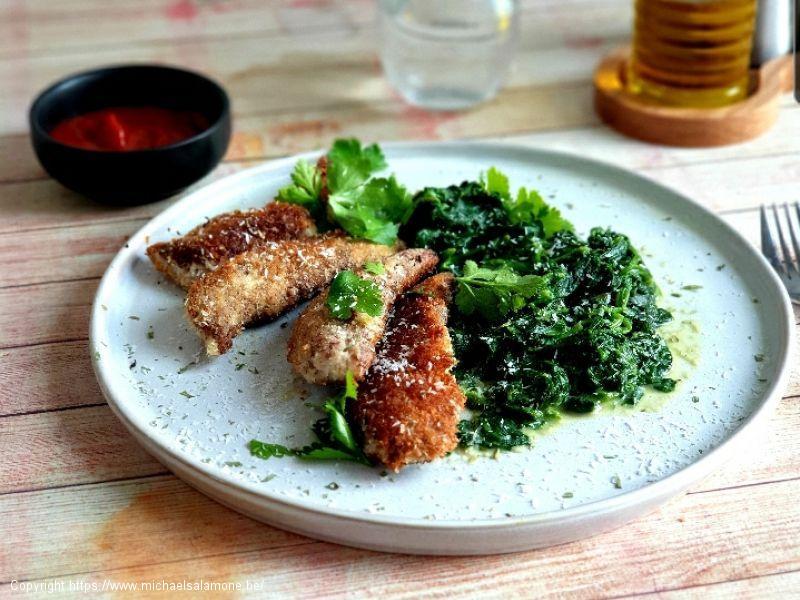 27. Aiguilettes de poulet panées à la coco et épinards à la crème (1)