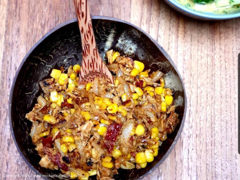 Protein Bowl thon, maïs, tomates sechées, piments rouges